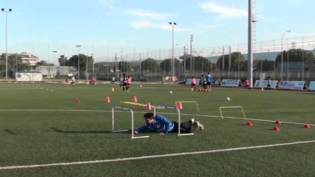 allenamento calcio ostacoli