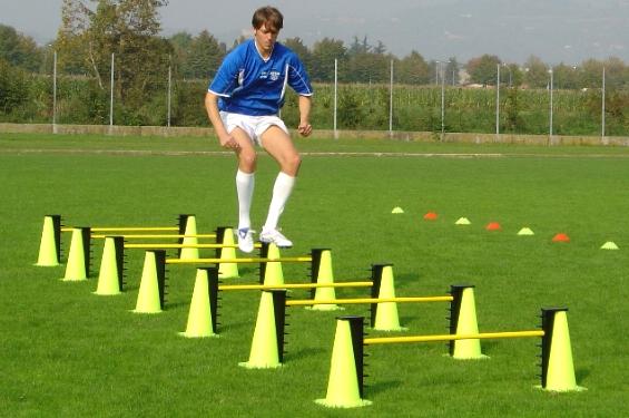salto ostacolini calcio